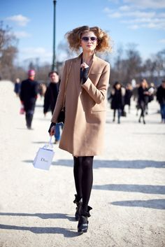 Funny little Dior-bag and perfect coat again.:)