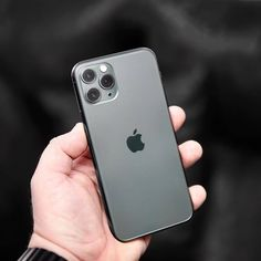 Enter our time-limited give-away and win a Free iPhone 11 Pro Max Or Apple Accessoires Now! First Iphone, New Iphone, Apple Iphone, Free Iphone Giveaway, Apple Smartphone, Instagram Giveaway, Apple Products, Iphone Case Covers, Apple Watch