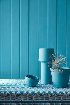 Introducing 'Blue': a capsule collection of trend-setting paint shades and new coordinating Century wallpapers from Little Greene. Comprising 21 paint shades, 17 of which have not been published by. Murs Turquoise, Deco Turquoise, Turquoise Color, Blue Rooms, Blue Walls, Little Greene Farbe, Peinture Little Greene, Blue Home Offices, Bungalow Living Rooms
