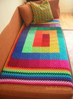 I love this blanket! Full Spectrum Granny Square Crochet Blanket by babukatorium Granny Square Blanket, Granny Square Crochet Pattern, Crochet Squares, Crochet Granny, Crochet Blanket Patterns, Crochet Stitches, Granny Squares, Granny Granny, Rainbow Crochet