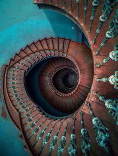 69 super Ideas for spiral stairs art stairways Beautiful Architecture, Beautiful Buildings, Architecture Details, Interior Architecture, Stairs Architecture, Grand Staircase, Staircase Design, Modern Staircase, Stair Art