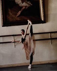 Vaganova Ballet Academy student Ekaterina Bondarenko