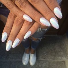 Nail art Christmas - the festive spirit on the nails. Over 70 creative ideas and tutorials - My Nails White Chrome Nails, White Nails, White Polish, Hair And Nails, My Nails, Crome Nails, Uñas Fashion, Pearl Nails, Mirror Nails