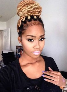female dreads hairstyles Luxury 31 Faux Loc Styles for African American Women Female Dreads Hairstyles, Weave Hairstyles, Cool Hairstyles, Protective Hairstyles, Faux Locs Blonde, Faux Dreads, Blonde Bun, New Natural Hairstyles, Natural Hair Styles