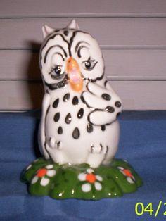 Owl C007 55.352.1 Squawking Owl Pie Bird
