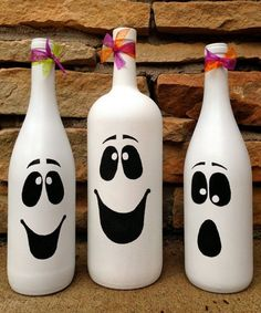 8 Easy DIY Wine Crafts For Halloween Tips Halloween bottles diy fall wine bottle crafts - Diy Fall Crafts Halloween Crafts For Kids, Fall Crafts, Halloween Diy, Holiday Crafts, Kids Crafts, Halloween Ghosts, Kids Diy, Halloween Costumes, Trendy Halloween