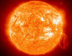 Astronomia é a ciência que estuda a posição, a constituição e os fenômenos que envolvem todos os objetos vistos no céu. Por combinar pesquisas e estudos aprofundados e tecnologia de ponta, ela é também uma ciência de destaque em universidades de prestígio internacional.