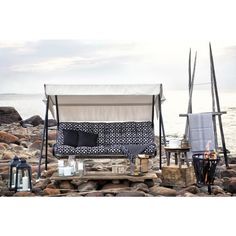 Varax helps you to furniture your home and your garden. Hammock Swing, Porch Swing, Double Bed Linen, Diy House Projects, Sleep Set, Scandinavian Home, Bed Covers, Sofa Set, Bauhaus