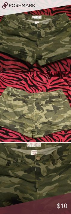 💚 EUC Plus Size 15 Juniors Shorts! 💚 💚🖤NO BOUNDARIES🖤💚  *Camo Shorts!* *Juniors Plus Size 15*  *Stretchy! 72% Cotton 25% Polyester 3% Spandex  *Cuffs can be rolled up or down.  *Great condition, no tears/rips, no pilling, etc. *Only wrinkled due to storage. 💚🖤💚 No Boundaries Shorts