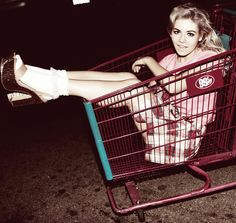 Marina & the Diamonds... Love her music, love her style, love HER!