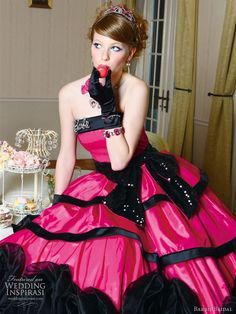 Hot pink wedding gowns are also a fashion, and this type is different from light pink ones because hot pink gown makes bride look glamorous with sexy and mature.