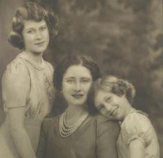 Princesa Margaret, Princesa Elizabeth, Princesa Diana, English Royal Family, British Royal Families, Royal Life, Royal House, Young Queen Elizabeth, Prinz Philip