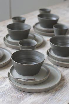 Dinner set by Jono Smart Ceramic Tableware, Ceramic Clay, Kitchenware, Crockery Set, Pottery Plates, Ceramic Pottery, Ceramic Dinner Set, Cerámica Ideas, Keramik Design