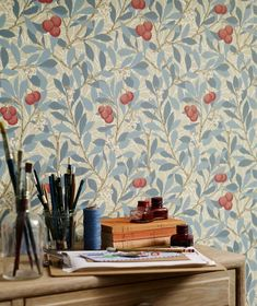 The wallpaper Arbutus - from William Morris is wallpaper with the dimensions m x 10 m. The wallpaper Arbutus - belongs to the popular William Morris Wallpaper, Morris Wallpapers, William Morris Tapet, Floral Wallpapers, Vintage Wallpapers, Craftsman Wallpaper, Cottage Wallpaper, Tapete Floral, Bleu Pastel