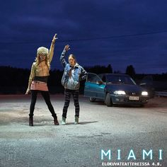 Eräänä iltana toisistaan erillään kasvaneet sisarukset, show-tanssija Angela ja 19-vuotias pikkukaupungin tyttö Anna, tapaavat toisensa uudelleen. 💎✨ ⠀ MIAMI elokuvateattereissa 4.8. 🎬