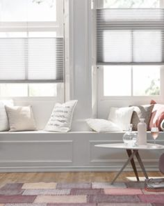 Project 28 - raambekleding plisse top down bottom up Blinds For Windows, Curtains With Blinds, Bench Decor, Interior Windows, Living Styles, Stores, Home Living Room, New Homes, House Design