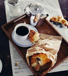 Good morning, start day with black coffee and bagels. #goodmorning #breakfast #croissant #blackcoffee #coffee #morningrituals #fabfashionfix