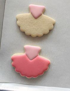 Decorated Tutu Cookies – The Sweet Adventures of Sugar Belle No Bake Sugar Cookies, Sugar Cookie Royal Icing, Iced Cookies, Cute Cookies, Ballerina Cookies, Chocolates, Cookie Tutorials, Galletas Cookies, Cupcakes