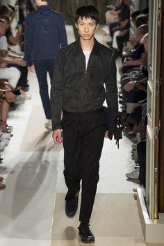 Valentino Spring 2017 Menswear Fashion Show