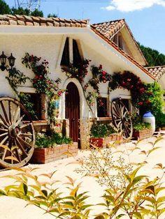 Meson Gregorio - Móstoles  Restaurantes de comida casera fundados en 1966 por Gregorio Márquez Celada  calle Reyes Católicos  91 647 22 89 (LA FUENCISLA) 91 613 22 75 (MESÓN GREGORIO)  http://restaurantescadenagregorio.es/