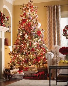 decor red and white christmas Decorate for Christmas with Red and White HomeSpirations