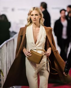 January Jones -  Good Kill  Tribeca Film Festival Premiere - Red Carpet  Fashion Awards ab55fc765863e