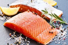 Salmon is an excellent food to fight stress, anxiety, and depression. Salmon also provides most of your daily vitamin D needs. High Protein Low Carb, High Protein Recipes, Protein Foods, Healthy Recipes, Healthy Options, Fat Foods, Protein Sources, Heart Healthy Diet, Healthy Diet Plans