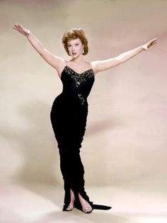 """Vintage Glamour Girls: Susan Hayward in """" I'll Cry Tomorrow """" Old Hollywood Actresses, Hollywood Dress, Old Hollywood Movies, Old Hollywood Glamour, Vintage Glamour, Vintage Hollywood, Hollywood Stars, Classic Hollywood, Hollywood Icons"""