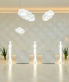 Myyour: The lamp Penelope is inspired by the classic world, but it stands out for its avant-garde functional design, technology and features. Indoor Outdoor, Outdoor Living, Table Design, Funky Furniture, Statue, Led Lamp, Decoration, House Colors, Floor Lamp