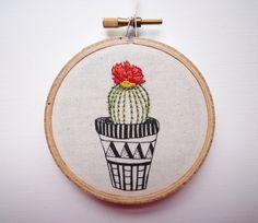 Bordados modernos, 'Cactus 2' 3 pulgadas aro arte por CheeseBeforeBedtime