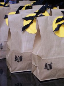 Need a quick way to spruce up some treats this Halloween?  Try these super cute bags adapted from the Martha Stewart Show. Supplies needed: Paper lunch bags Crop-a-Dile or Big Bite Circle Cutter or...