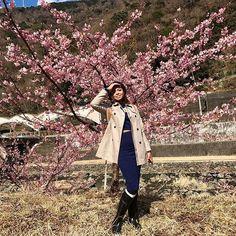 【karinagarbutt】さんのInstagramをピンしています。 《Sakura blossoms were the best surprise birthday present I could ever hope for 😍. #sakura #cherryblossoms #hakone #japan #birthday #25 #friends #travel》