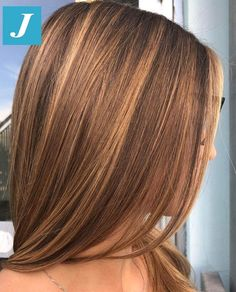 Pin on winter hair color trends Pin on winter hair color trends Honey Brown Hair, Brown Hair With Highlights, Light Brown Hair, Carmel Brown Hair, Caramel Hair Highlights, Golden Brown Hair, Hair Color Auburn, Brown Hair Colors, Weave Hair Color