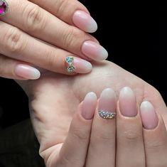 #babyboomer #nails #almondnails #naturalnails #degrade #sw #svarowski #bow #gel #gellac #shellac #oja #manichiura #unghii