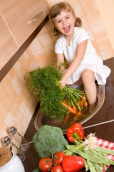 Yes, even your toddler can help do chores around the house. It's all about finding age-appropriate tasks for your kid to do—and these tips can help. Todays Parent, Chemical Free Cleaning, Wellness Company, How To Make Money, How To Get, Get Happy, Melaleuca, Take A Shower, Teeth Cleaning