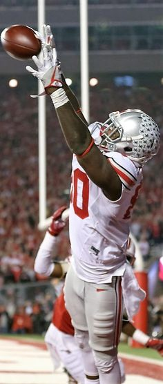 Ohio State Buckeyes wide receiver Noah Brown (80) makes a touchdown catch in overtime against Wisconsin #TheeOhioStateUniversity #OhioState