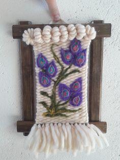 Tapestry Weaving, Loom Weaving, Hand Weaving, Sewing Hacks, Art Forms, Textile Art, Needle Felting, Fiber Art, Diy And Crafts