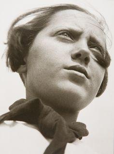 Alexander Rodchenko  -  Pioneer Girl, 1930