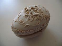 Angel porcelain trinket box