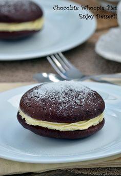 Chocolate Whoopie Pies Chocolate Whoopie Pies, Romanian Food, Biscuit, Hamburger, Bread, Cookies, Baking, Dessert Ideas, Breakfast