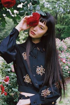 """girlsingreenfields:"""" 萬波ユカ in Chloé. Yuka Mannami photographed by Ko-ta Shouji for SPUR National Fashion Story Library July Aesthetic People, Aesthetic Girl, Pretty People, Beautiful People, Short Grunge Hair, Long Brown Hair, Fashion Story, Ulzzang Girl, Girl Photos"""