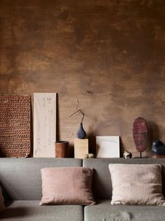 Rich earth tones at the home of Axel Vervoordt, captured by Wabi Sabi, Interior Exterior, Home Interior Design, Interior Decorating, Axel Vervoordt, Japanese Interior, Earth Tones, Living Room Interior, Beautiful Interiors