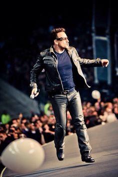 Bono. Vertigo 2005 ?