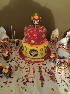 The book of life theme birthday cake Girl Birthday Themes, Girl First Birthday, 16th Birthday, Birthday Parties, Sweet 16 Birthday Cake, Day Of The Dead Party, Horror Party, Quinceanera Cakes, Book Of Life