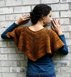 Ravelry: Capelet Duet pattern by Vanessa Ewing