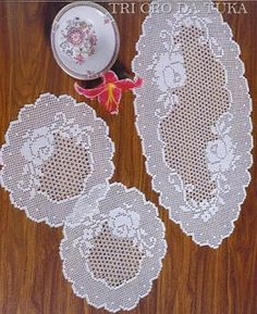 Doilies and runner, with charts