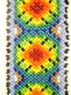 """Képtalálat a következőre: """"Huichol Beading Patterns"""" Peyote Patterns, Beading Patterns, Cross Stitch Patterns, Beading Ideas, Mexican Pattern, Seed Bead Projects, Yarn Painting, Beading Techniques, Native American Beading"""