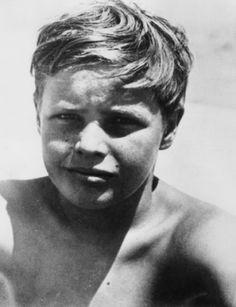 marlon brando as a young boy, he was so cute.