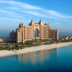 Atlantis the Palm, Dubai is situated at the apex of Palm Jumeirah. The inspiring Atlantis, The Palm offers everything you could desire; fun, excitement luxury & relaxation within the heart of Dubai. Dubai Hotel, Atlantis Hotel Dubai, Palmeninsel Dubai, Jumeirah Beach Hotel Dubai, Dubai Tour, Atlantis Bahamas, Dubai City, Nassau Bahamas, Dubai Beach
