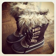 Sorel Joan of Arctic boots in Hawk